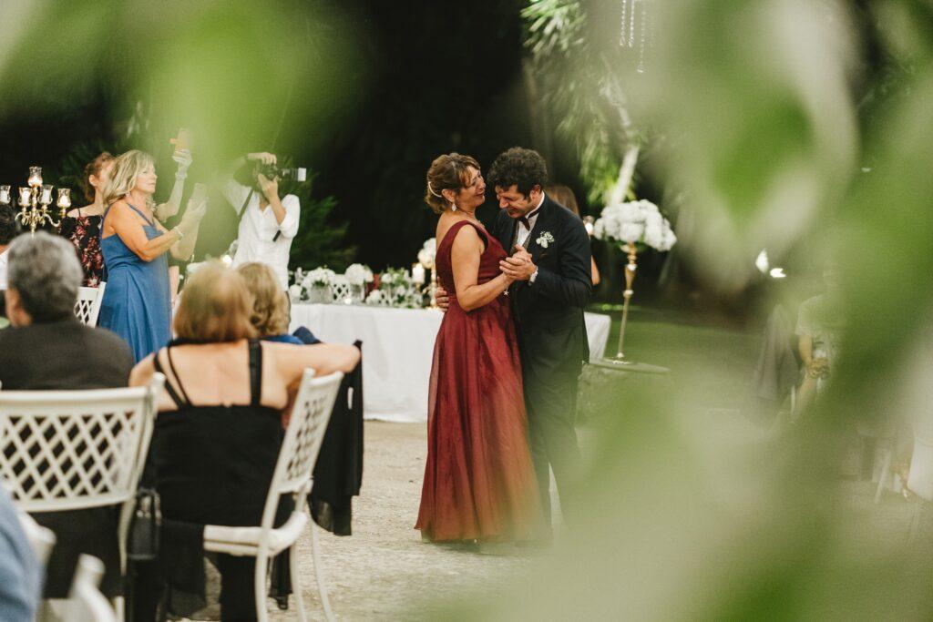 Il primo ballo degli sposi una tradizione irrinunciabile
